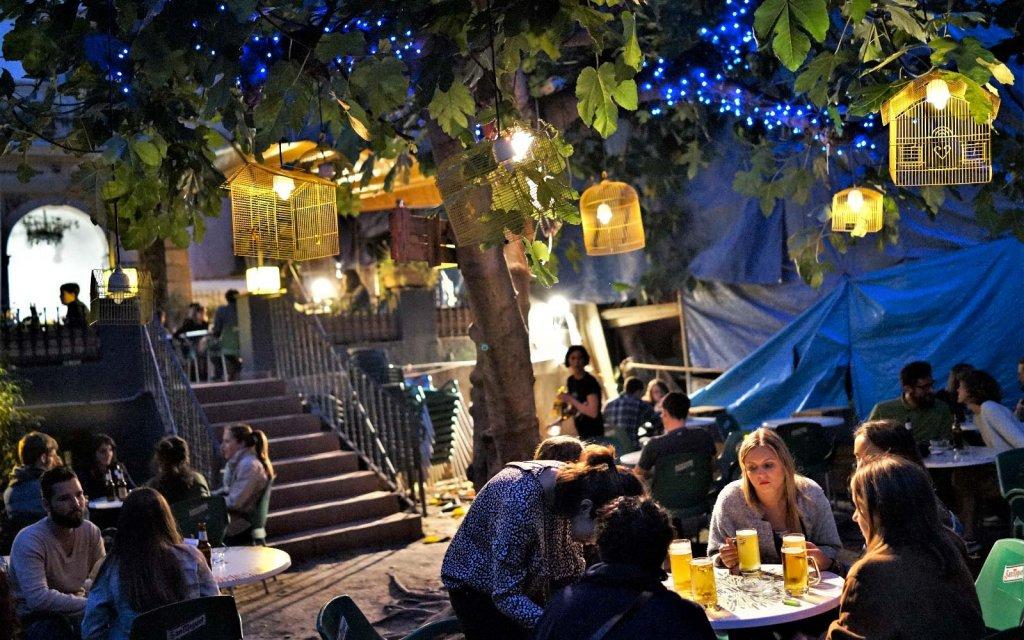 Enjoy Dreamy Night at Finest Bars